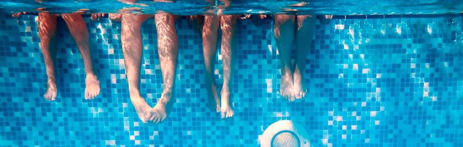familias en el agua header